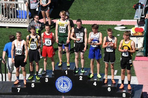 Class B Boys 800m Run.jpg