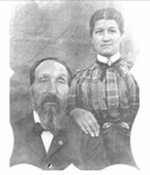 Emanuel_Custer_and_his_wife_parents_of_george_armstrong_custer_medium.jpg