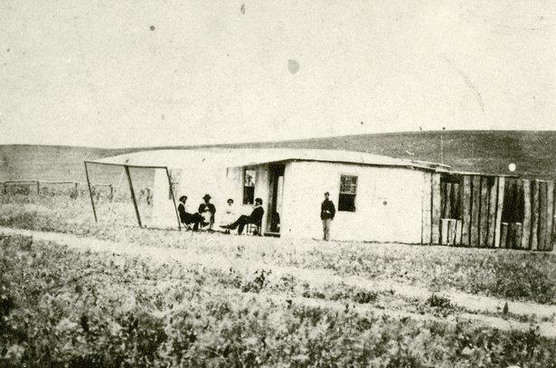 1987-14-69-Officers-quarters.jpg