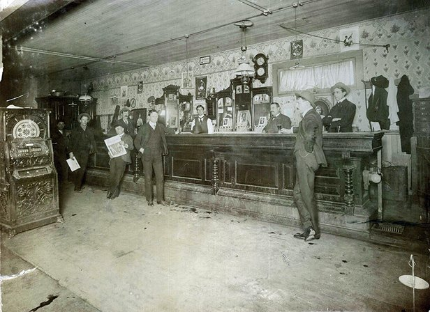 deadwood saloon