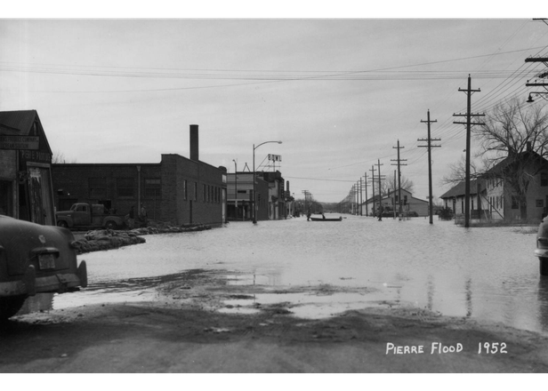 flooded street in Pierre - 1952