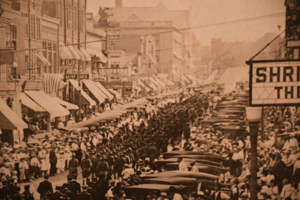 soldiers leave Sioux Falls for WWI