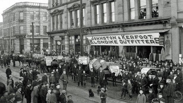 Klondikers outside a branch store of Johnson, Kerfoot & Co., 1898.