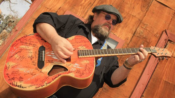 Andy Chase will perform Tuesday at 575 Pizzeria.