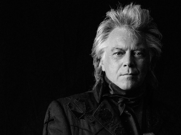 Marty Stuart will perform July 28 at Hoots Pub.