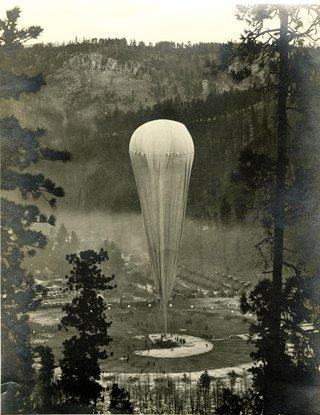 ExplorerIIBaloonFlight_StratosphereBowl_1935.jpg