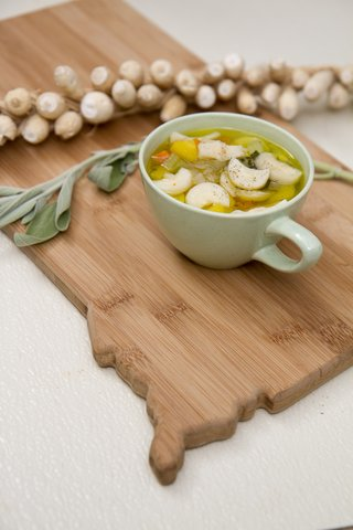 Winter vegetable soup showcases timpsila.