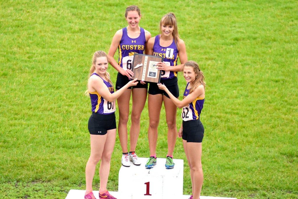2016 Girls A 3200m Relay - Custer