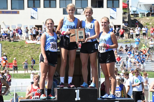 2018 Class B Girls 800m Relay Trip Delmont Armour