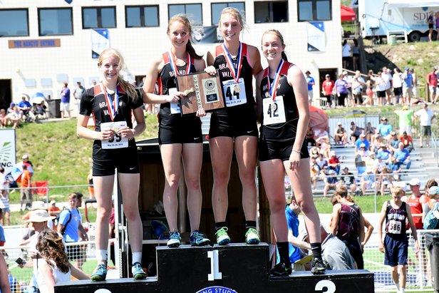 2018 Class AA Girls 800m Relay Brandon Valley