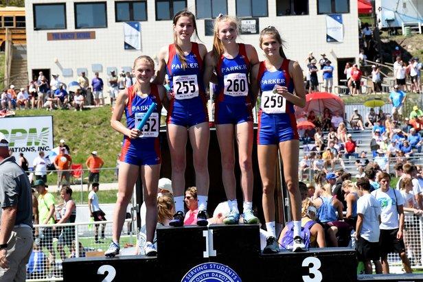 2018 Class A Girls 800m Relay Parker