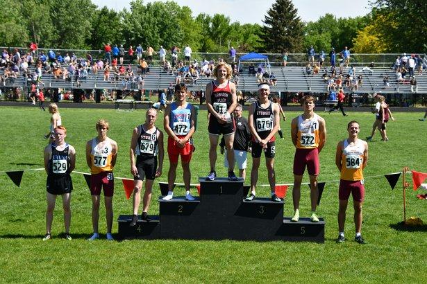 boys 800 run winners