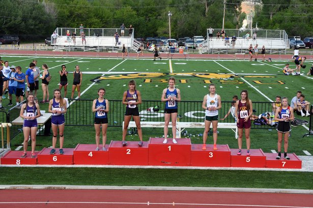 girls 800 meter run