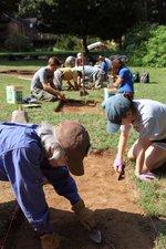 henson_volunteers_dig.jpg