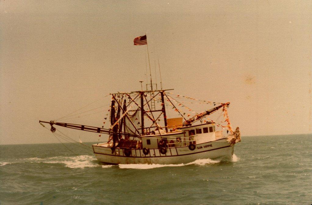 Sun Hippie boat