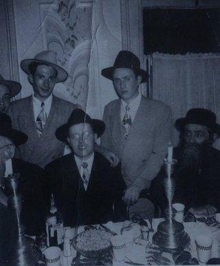 Ben Lesser (left) at dinner.