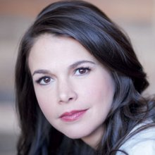 Sutton Foster Headshot